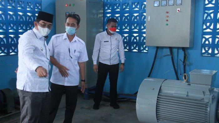 Bupati Tanjabbar Anwar Sadat Tinjau Pergantian Mesin PDAM di Parit Pudin