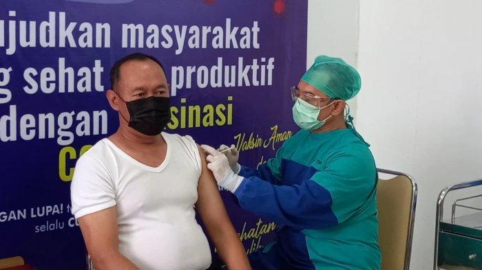 Jalani Vaksin Kedua, Sukandar Minta Masyarakat Siap Giliran Selanjutnya
