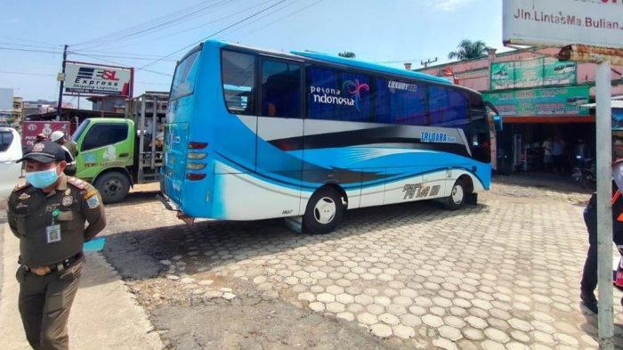Sejumlah Bus Digiring ke Terminal Alam Barajo Gara-gara Lakukan Pelanggaran