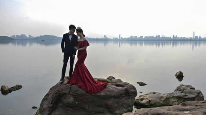 Terbaru Penampakan Kota Wuhan Pasca Lockdown, Mulai Ramai dan Normal Namun Tetap Kenakan Masker