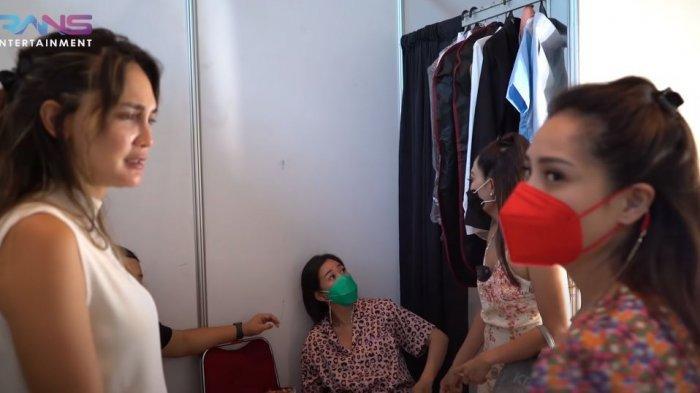 Kondisi Luna Maya Batuk di Ruang Artis Bikin Nagita Slavina Panik, Ayu Dewi: Suntik Vitamin Deh!