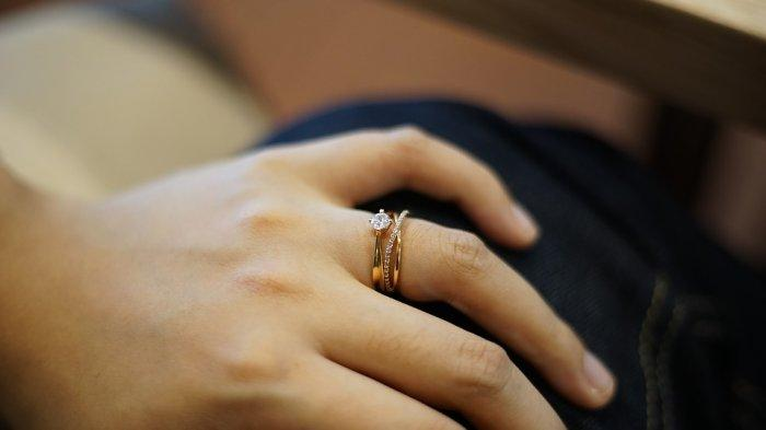 Sudah Beberapa Waktu Menikah, Lelaki Ini Kaget Istrinya Tumbuhkan Jenggot, Gugatan Cerainya Ditolak