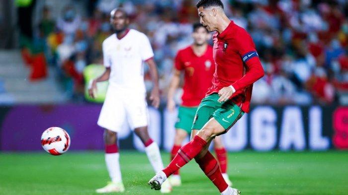 Cristiano Ronaldo kembali mencetak gol dalam laga persahabatan melawan tuan rumah Piala Dunia 2022, Qatar