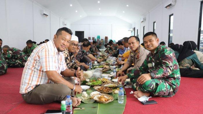 Kodim 0419/Tanjab Mengajak Makan Bersama