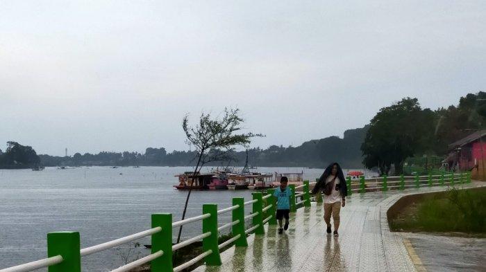 Merayakan Waisak di Jambi, 200 Kg Ikan dan Kura-kura Dilepasliarkan di Danau Sipin
