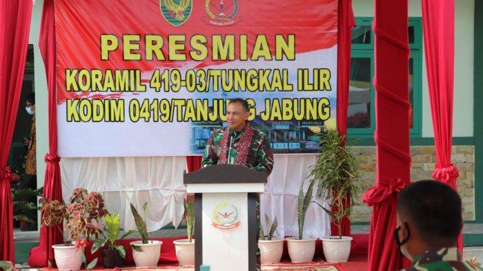 Danrem 042/Gapu Brigjend TNI M Zulkifli, SIP, MM beserta rombongan berkunjung ke Makodim 0419/Tanjab, Kamis, (21/1/2021).