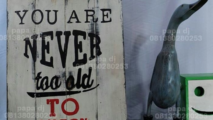 Trend Dekorasi Lukisan Kata Kata Bijak Di Surtiwi Pendawa Jati Meski Vintage Tapi Kekinian Tribun Jambi