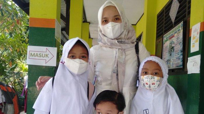 Cerita Desi, Ibu Siswa SD di Kota Jambi yang Siapkan Sarana Prokes di Rumah Agar Anak Aman PTM
