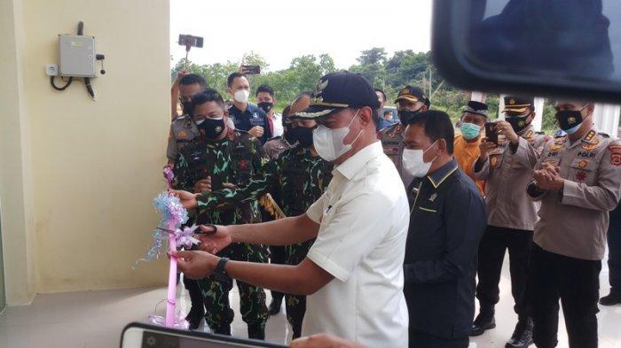 Didampingi Bupati Tebo Sukandar, Kapolda Jambi Resmikan Mako Polsek Tebo Tengah yang Baru