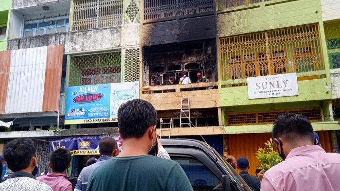 Selidiki Penyebab Kebakaran Ruko di Gang Siku, Polsek Pasar Periksa Delapan Saksi