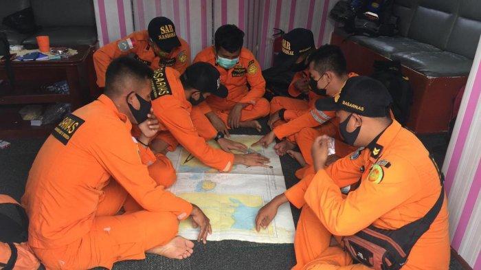 Dihantam Ombak Kapal KM Wicly Jaya Sakti Tenggelam di Perairan Tungkal 9 Orang Dinyatakan Hilang