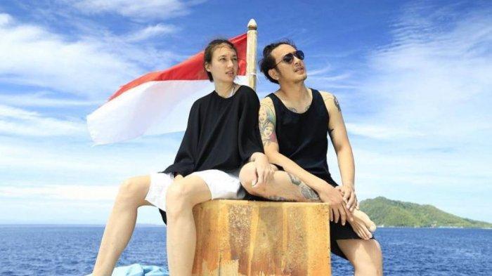 dimas-anggara-dan-nadine-chandrawinata-pasangan-artis-indonesia.jpg