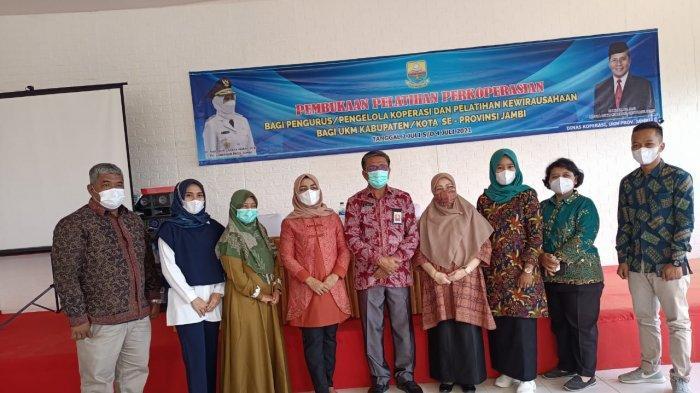 Dinas Koperasi UKM Provinsi Jambi menggelar pelatihan perkoperasian dan pelatihan kewirausahaan pada pengurus koperasi dan UKM kabupaten/kota se- Provinsi Jambi.