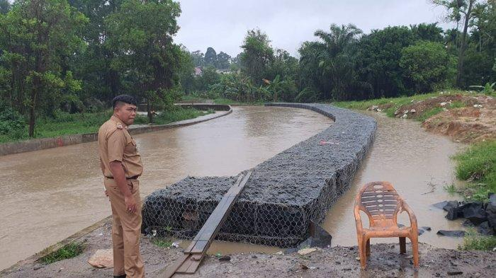 Hujan 5 Jam, Dinas PUPR Kota Jambi Pantau Anak Sungai Pakai Drone