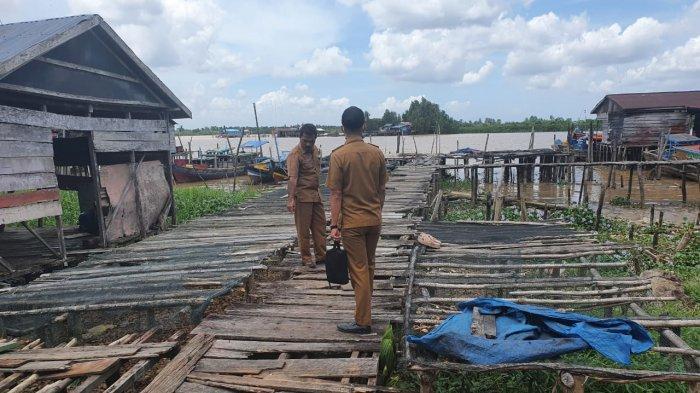 Pihak Dinas PUPR Tanjab Timur mengecek lokasi yang akan menggunakan dan tanggap darurat