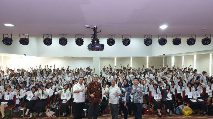 Kampanyekan Indonesia Ramah, Ratusan Mahasiswa Baru Dukung Pencapaian Target 20 Juta Wisatawan