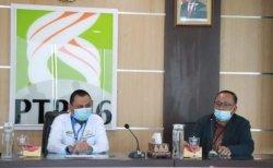 Direktur PTPN VI M. Iswan Achir dan Rektor Universitas Jambi Prof.Dr.H.Sutrisno, M.Sc.,Ph.D