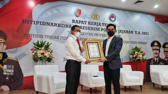 Ubah Pulau Pandan & Pulau Kayu Aro Jadi Kampung Tangguh Antinarkoba, Ditresnarkoba Dapat Penghargaan