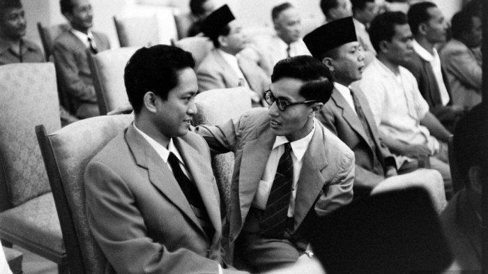 DN Aidit dan Nyoto, dua tokoh PKI. (LIFE MAGAZINE)