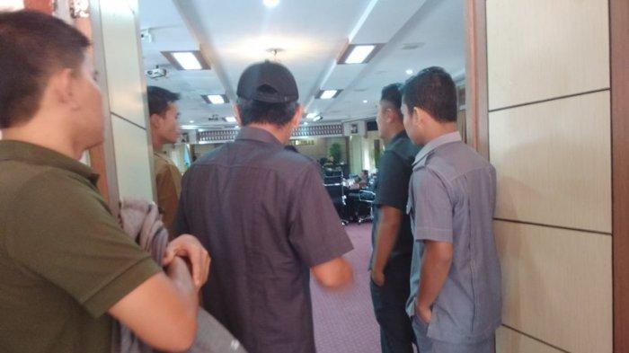Ada yang Lempar Gelas, Rapat DPRD Kota Sungai Penuh Ricuh