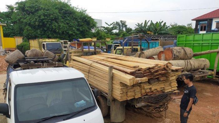 4 Warga Bathin XXIV Pengangkut Kayu Diduga Hasil Illegal Logging Dibekuk, Dua Truk Ikut Diamankan
