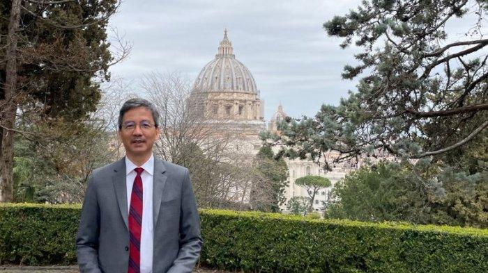 Duta Besar RI untuk Takhta Suci Vatikan, L. Amrih Jinangkung