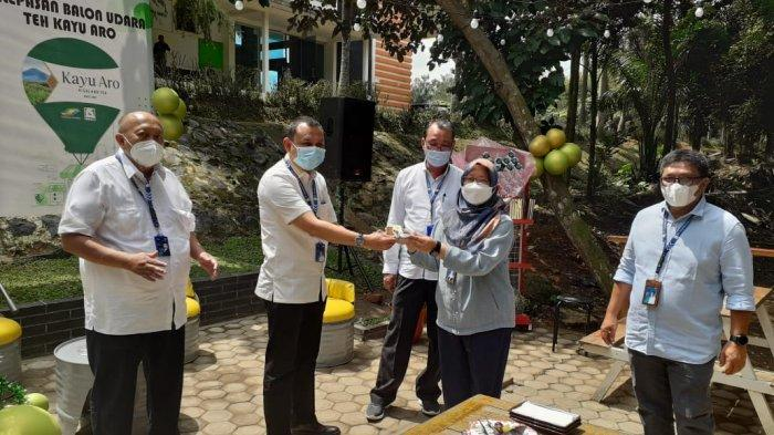 PT Perkebunan Nusantara VI meluncurkan e-Retail Teh Kayu Aro, yang diresmikan langsung oleh Direktur PTPN VI M Iswan Achir.