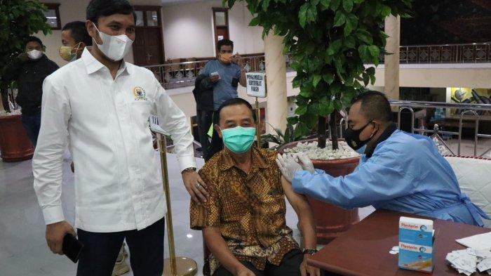 DPRD Provinsi Jambi Gelar Vaksinasi Massal, Edi Purwanto Usulkan Rekrutmen Vaksinator