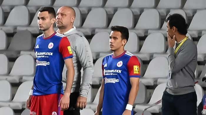 Egy Maulana Vikri saat dimasukkan Pelatih FK Senica sebagai pemain pengganti di Liga Slovakia