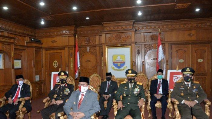 Fachrori Umar Ikut Upacara Penurunan Bendera Secara Virtual