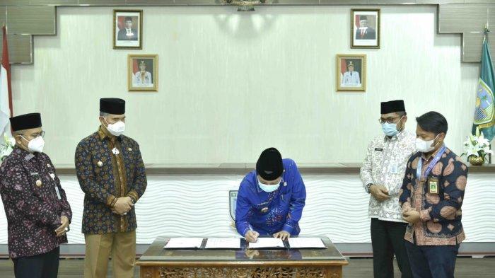 Fachrori bersilaturahmi dengan wali kota dan wakil wali Kota Jambi beserta jajaran, yang berlangsung di Ruang Pola Kantor Wali Kota Jambi.