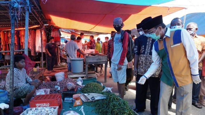 Fachrori Umar Disambut Hangat Masyarakat di Pasar Batu