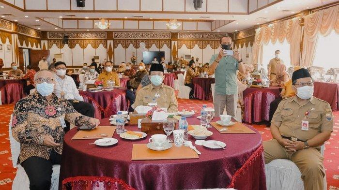 Coffe Morning dengan BUMN, di rumah dinas Gubernur Jambi, Selasa (2/2/2021).
