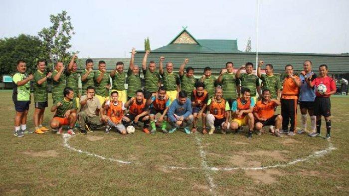 Farewell Danrem 042/Gapu: Kapolda Jambi dan Danrem Bermain Sepakbola Bersama