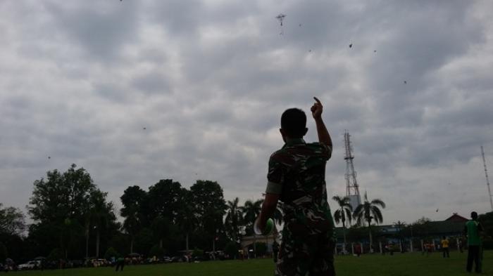 1.200 Layang-layang Untuk Kodam II Sriwijaya