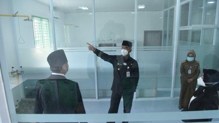 Senin pagi (21/12), Wali Kota Jambi H. Syarif Fasha meresmikan gedung Laboratorium Kesehatan Daerah (Labkesda) milik Pemerintah Kota Jambi, yang akan melayani uji Swab PCR bagi masyarakat di Kota Jambi.