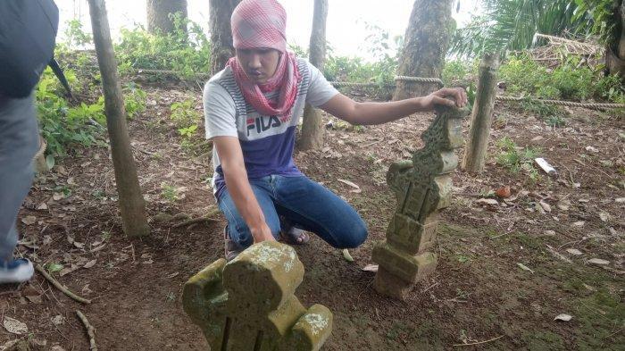 Makam Keramat Putri Gadis - Itulah nama yang diberikan masyarakat terhadap sebuah makam yang berlokasi di Desa Sekernan, Kecamatan Sekernan, Kabupaten Muarojambi.