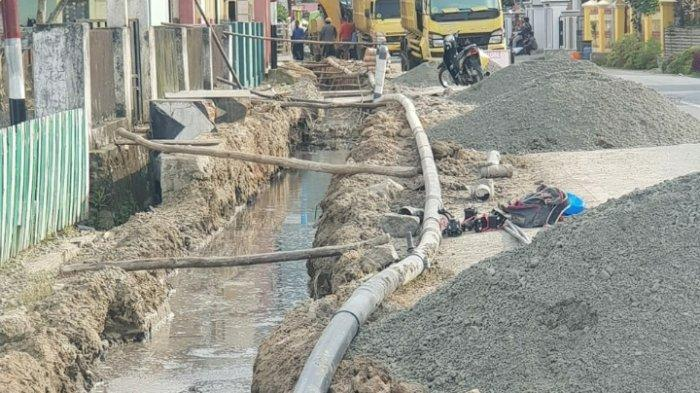 Masyarakat Kota Sungai Penuh Merasa Dirugikan, Pembangunan Drainase Selalu Bikin PDAM tak Ngalir