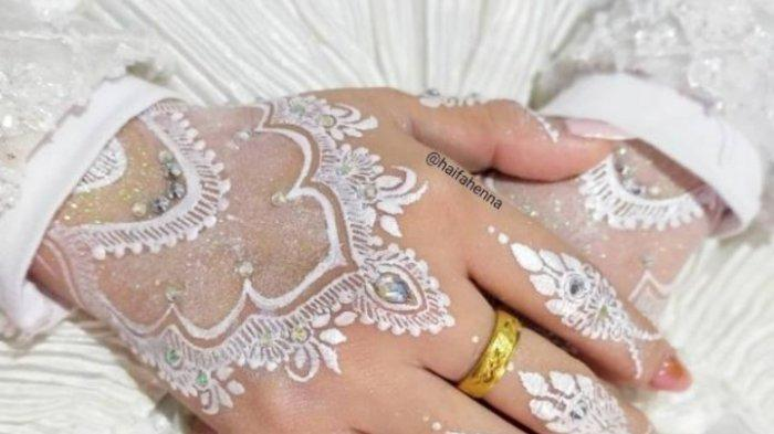Berawal Dari Film Bollywood, Gamar Fardella Sukses Bisnis Jasa Pasang Henna di Kota Jambi