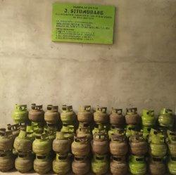 Atasi Kelangkaan Gas LPG 3 Kg di Desa Tambang Baru, Agen Putra Siarang Tambah Stok Tabung Gas