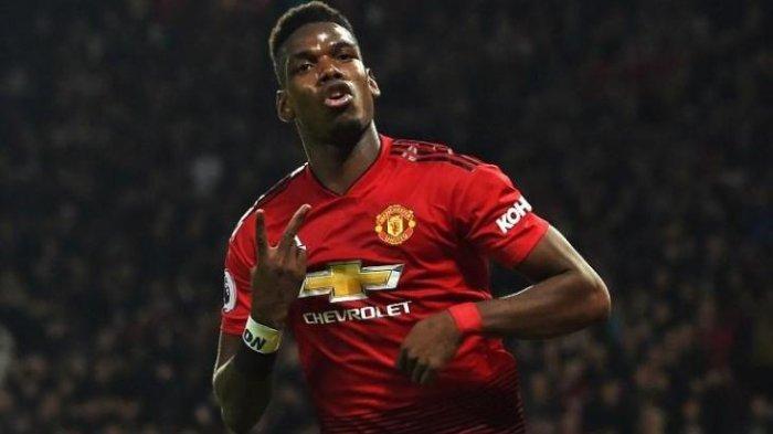 Gelandang Manchester United, Paul Pogba disebut akan bertahan di Old Trafford asal menerima gaji 400 ribu Poundsterling perpekannya