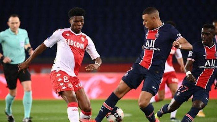 Gelandang muda AS Monaco, Aurelien Tchouameni (Kiri) yang diminati Liverpool, Chelsea dan Juventus