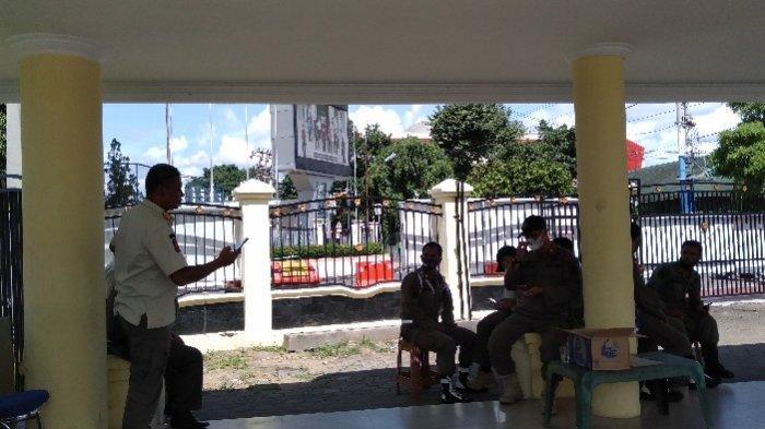 Pedagang Dilarang Berjualan, Tapi Pengunjung Dibolehkan Datang ke Jembatan Gentala Arasy