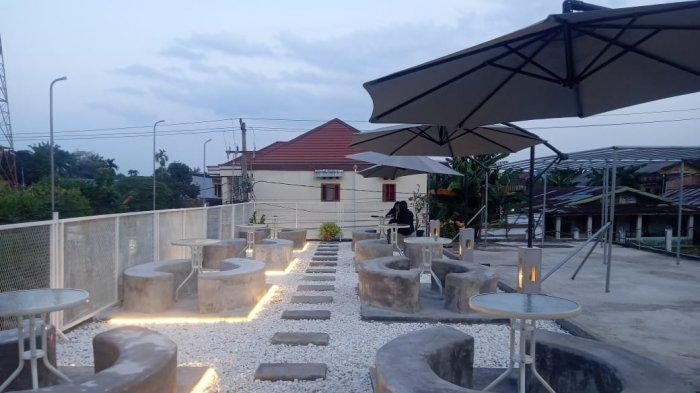 Asyiknya Ngopi Sambil Menikmati Senja di Rooftop Aesthetic Ghona Coffee