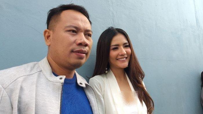 Katanya Gak Peduli Masa Lalu, Kini Vicky Prasetyo Putus dengan Anggia Chan, Settingan?