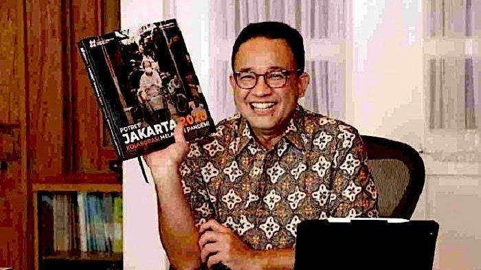 Gubernur Anies Baswedan hadir dalam launching Buku Potret Jakarta 2020 lewat zoom pada Minggu (31/1/2021). Anies terpilih sebagai salah satu dari 21 pahlawan transportasi versi TUMI. Politisi PDIP meragukannya