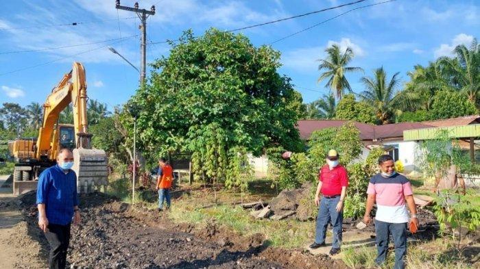 Gubernur Jambi Al Haris Tinjau Perbaikan Jalan Pulau Rengas-Muaro Siau