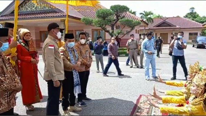 Disambut Bupati Sukandar, Inilah yang Dilakukan Gubernur Al Haris di Tebo yang Masuk Zona Merah