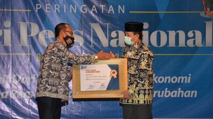 Fachrori Raih Penghargaan PWI Award Jambi, Sosok Kepala Daerah yang Konsen Melestarikan Budaya Lokal