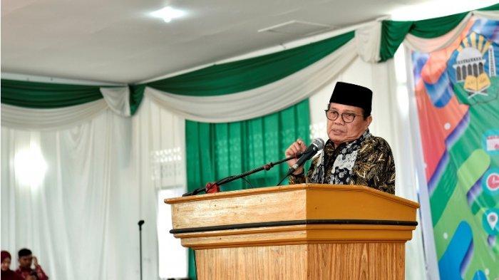 Fachrori Umar Dapat Penghargaan Perpustakaan dari Menteri Dalam Negeri